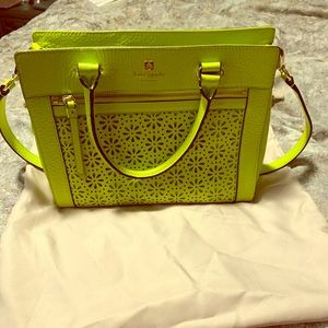 Kate Spade Purse (almost new condition)